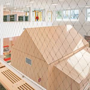 Inredo referensbild, ribbpaneler och unik inredning på Bobergsskolan, Stockholm