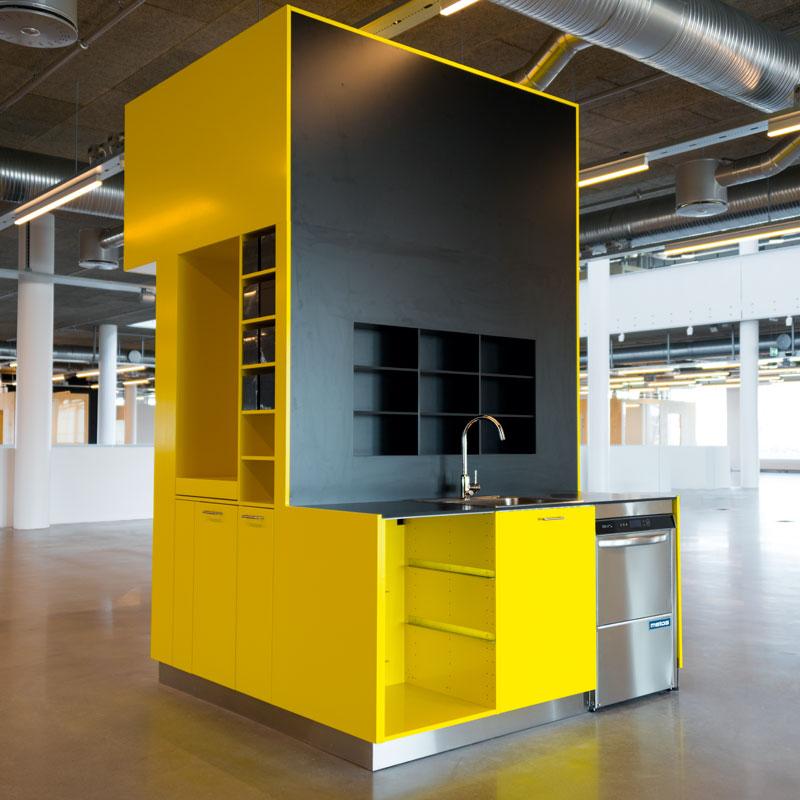 Inredo referensbild, kök i kontorsmiljö Malmö